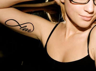 tatuaje mujer para biceps interior