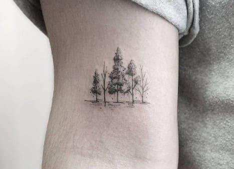 tatuajes pequeños para mujer árbol